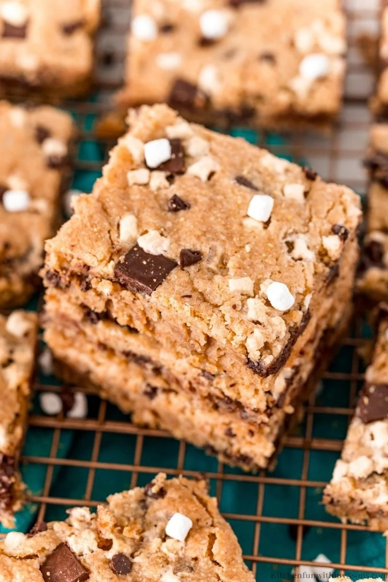 Close up on the marshmallows and chocolate of the S'mores Cookies Bars.