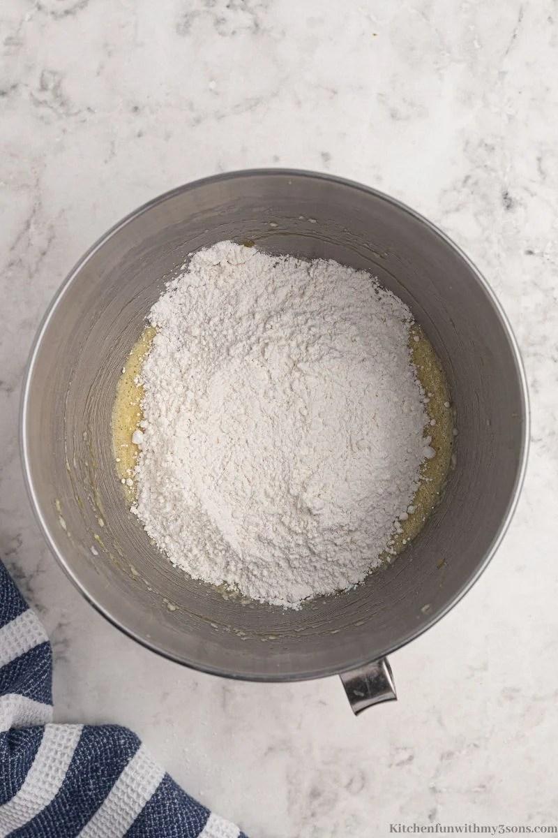 Kombinirajući mokre i suhe sastojke.