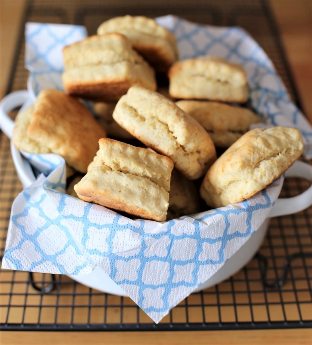 Buttermilk Biscuits (KFC Ekmeği) Tarifi