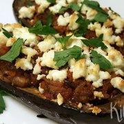 Gevulde aubergine op z'n Grieks