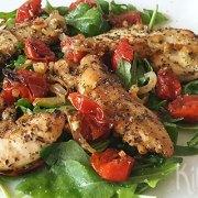 Kip met tomaat uit de oven