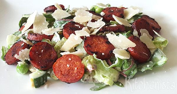 Groene salade met gebakken chorizo
