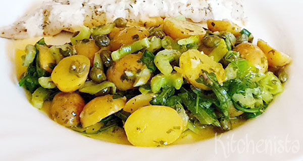 Salade met krieltjes, bleekselderij en kappertjesdressing