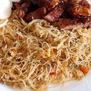 Mihoen goreng zoals van de Chinees (vegetarisch)