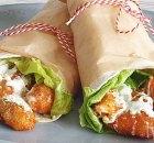Buffalo crispy chicken wrap met blauwe kaasdressing