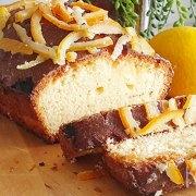 Smeuïge cake met gekonfijte citroen en sinaasappel