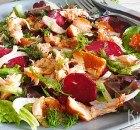 Salade met rode biet, venkel en gerookte zalm