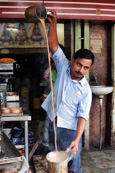 %Kesar tea making Sharma Tea House Kolkata