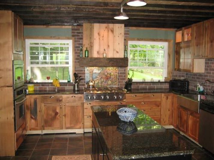 Barn Siding Decoration for Small Kitchens