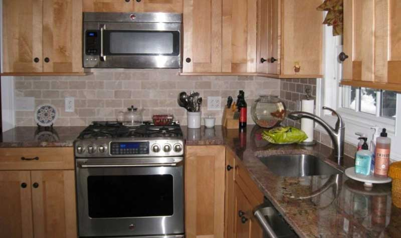 Kitchen in Corner Space Can Be Lifesaver