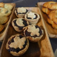 Make Your Hobbit Hole Smell Like Christmas with Small Adventure Sized Mincemeat Pies
