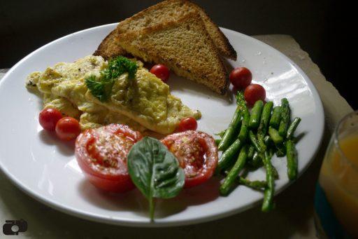 How to make easy scrambled eggs