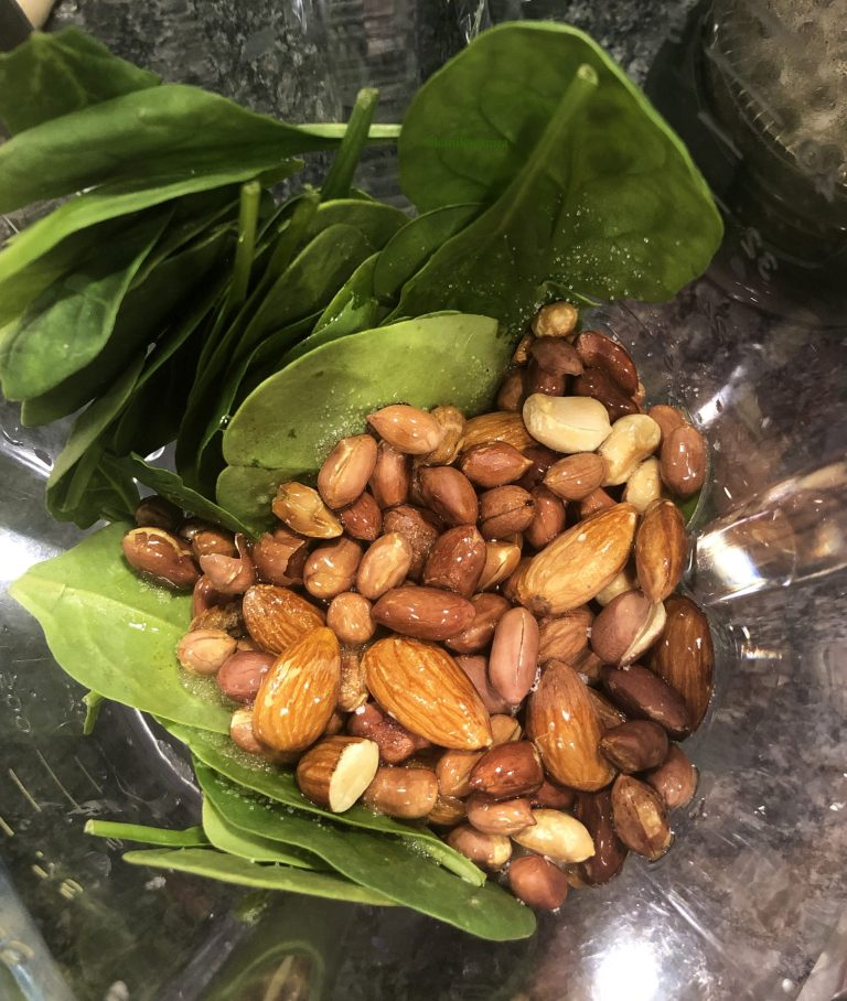 Peanut pesto with spinach, basil and almonds.
