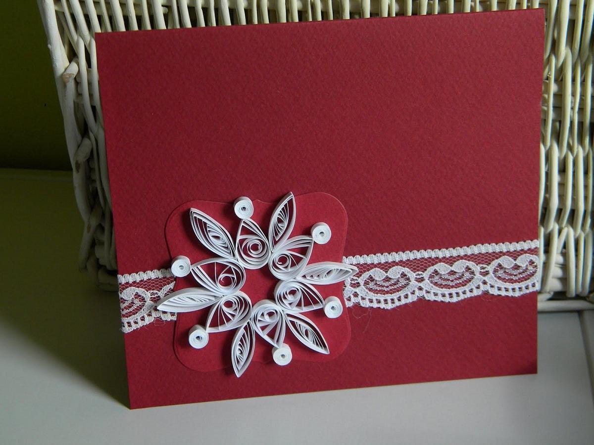 красиво украшенная открытка равномерного