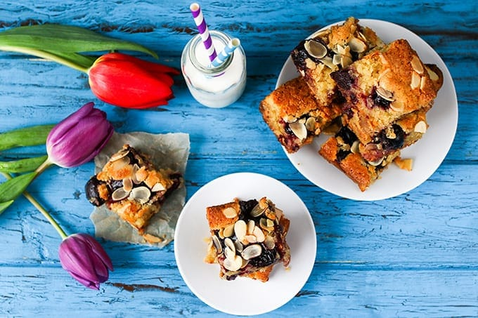 Deliciously moist blondies with all the those Cherry Bakewell flavours PLUS white chocolate!