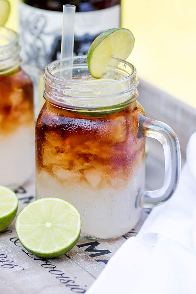 Dark'N' Stormy - a delicious blend of spiced rum, ginger beer and lime - easy and delicious!