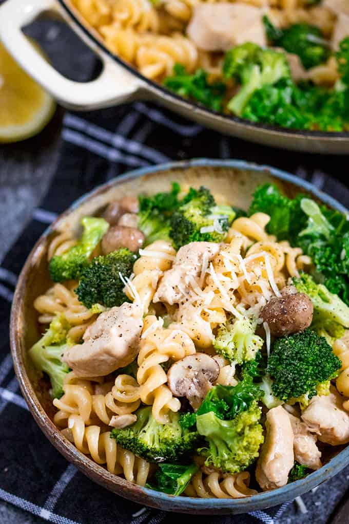 One Pot Chicken And Broccoli Pasta - Nickys Kitchen Sanctuary-3831