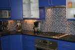 comtemporary-kitchen-with-blue-cabinets-2