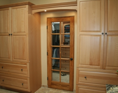 Master Closet – Drawer Cabinetry