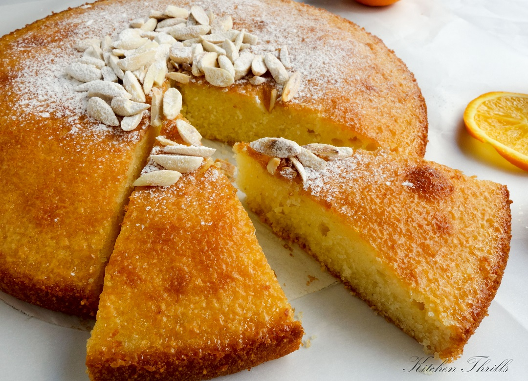A simple and easy semolina cake flavoured with freshly squeezed orange juice and orange zest.