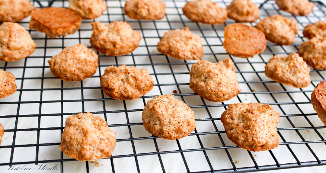 Naturally gluten free coconut macaroons that are crisp and golden on the outside and soft and chewy on the inside.