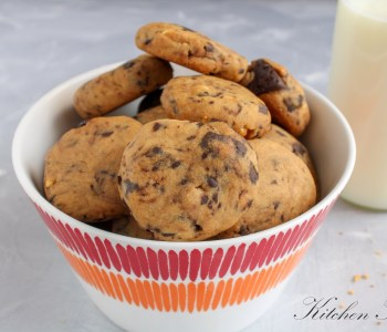 The ultimate peanut butter chocolate chip cookies with no flour, no butter, without brown sugar and no eggs #peanutchocolate #peanutbutter #chocolatechipcookies