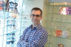 Dr. Eric DesGroseilliers