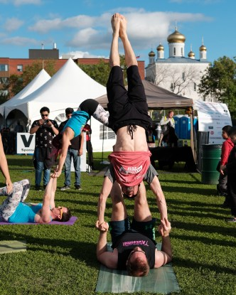 Smiley Om show off some acroyoga feats