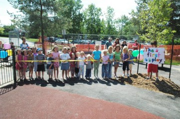 Opening of the new Dovercourt playground in August 2006. Photo by Andrea Tomkins