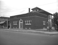 Radmore-Stewart Funeral Home (now Bagelshop) (City of Ottawa Archives, D00658 Sproul Collection)