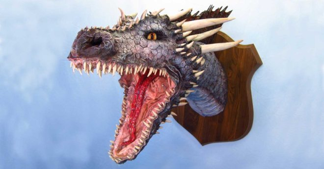 "One of many amazing dragon heads by Dan ""The Monster Man"""