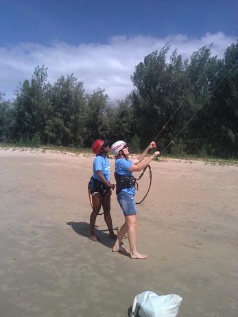 Kitesurfing Lessons - Kiteboarding Cairns Australia  KBC