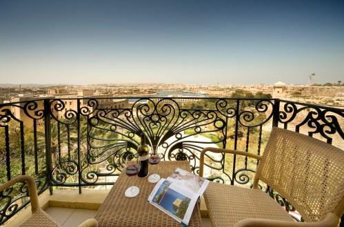 Balcony HV