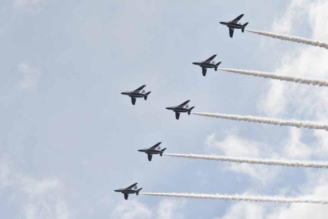 【岐阜基地航空祭】ブルーインパルスのアクロバット飛行に大興奮