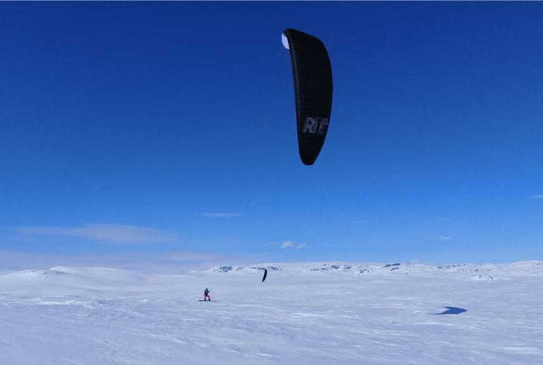 Norway Mountain plateau snowkiting Ozone