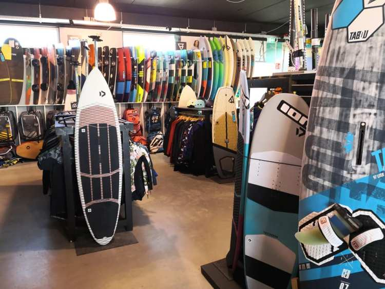 Kitesurf shops closed but operate during Covid-19 lockdown