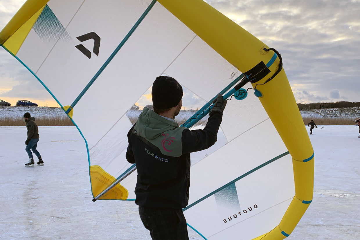 Ice wing surfing or ice winging