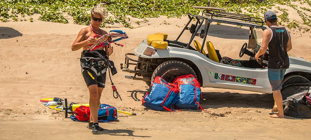 preparation of the kite equipment icaraizinho