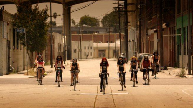 The Ovarian Psycos ride their bikes through East L.A. (Ovarian Psycos documentary)