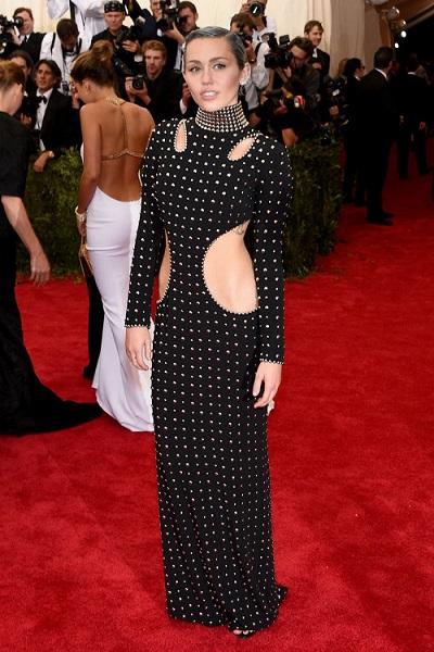 met gala Miley-Cyrus-Met-Gala-2015-Pictures