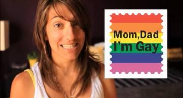 Arielle Scarcella Teaches Her Mum Some Lesbian Slang