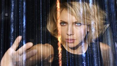 Scarlett-Johansson-Lucy-01