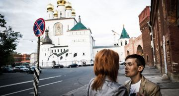 Portraits Show What Life Is Like as a Lesbian Couple in Russia