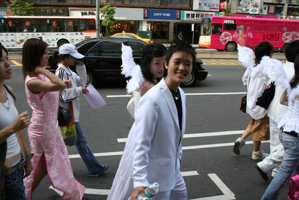 Taiwan-LGBT-Supporters-02