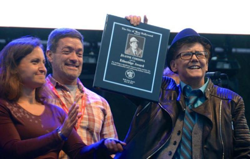 Jeanne-gets-Etheridge-award-
