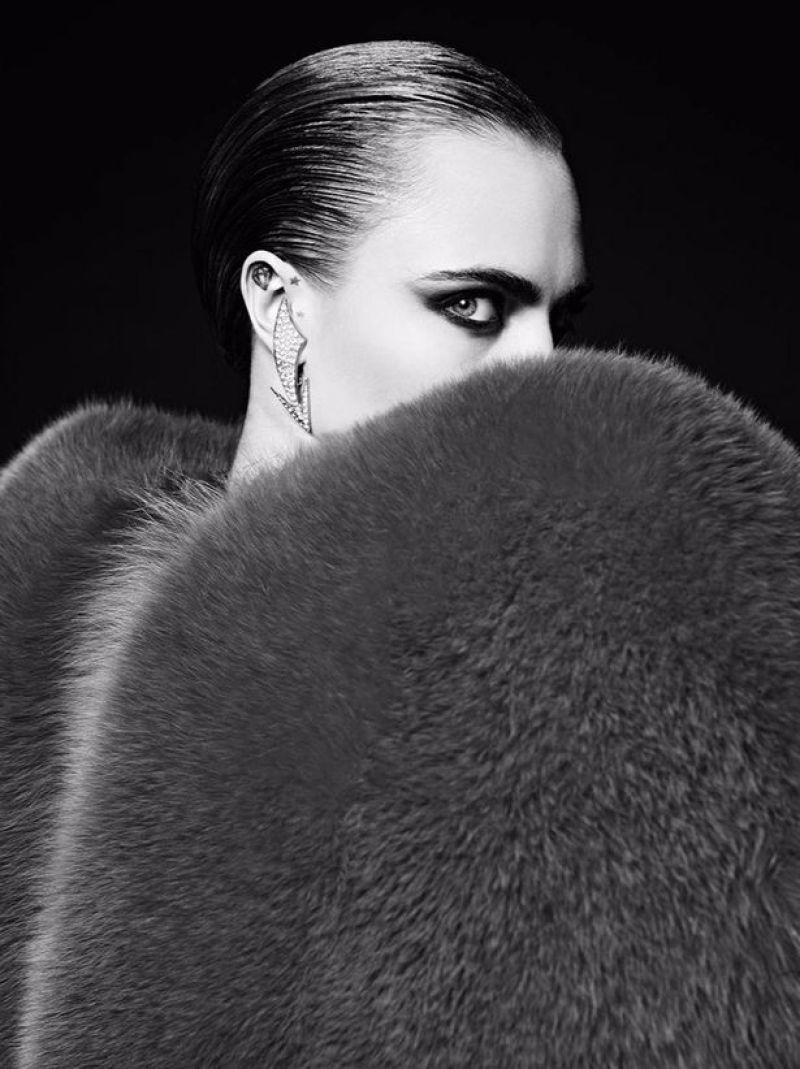 Hedi-Slimane-Put-Cara-Delevingne-in-His-80s-Inspired-Couture-Ads-for-Saint-Laurent-Le-Smoking-2016 (3)
