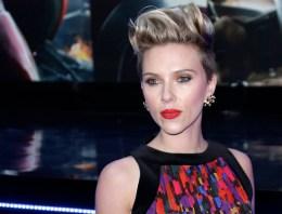 Scarlett Johansson, America Ferrera, Amy Schumer, & Lea DeLaria To Participate In Women's March On Washington