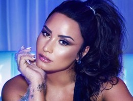 Demi Lovato Is Rumoured To Be Dating A Woman (And Twitter Is Losing Its Mind)