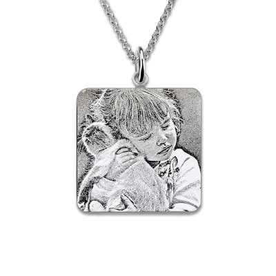 photo engraved necklace personalized gift ideas