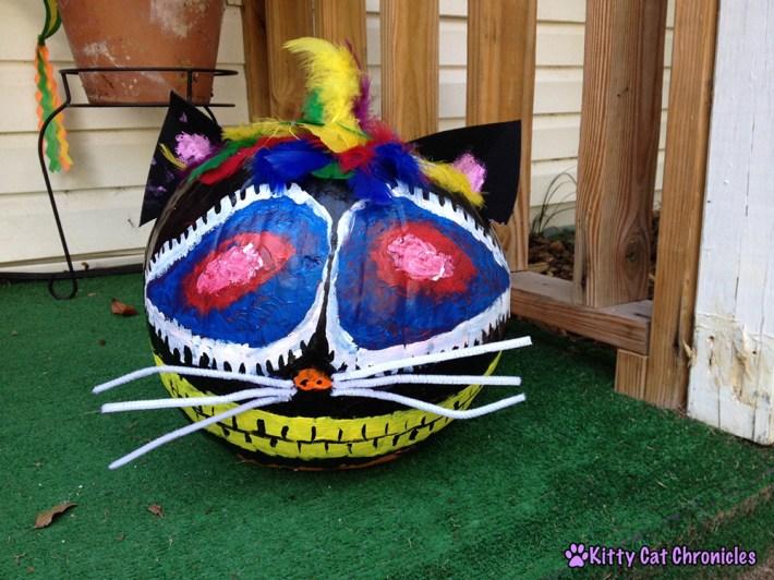 Halloween DIY Project: Painted Cat Pumpkins - Cheshire cat pumpkin